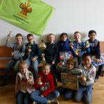 Gruppenbild mit Pokalen